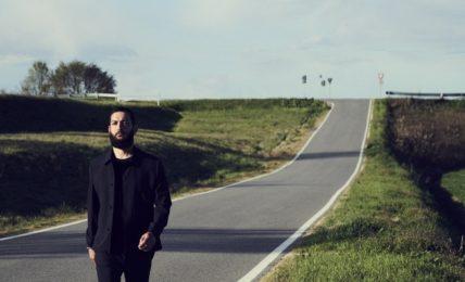 Vasco Brondi (foto di Max Cardelli)
