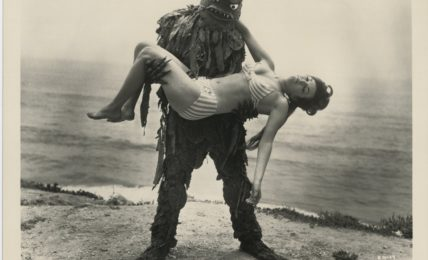 """Foto di scena del film """"The Beach Girls and the Monster"""", Jon Hall (1965)"""
